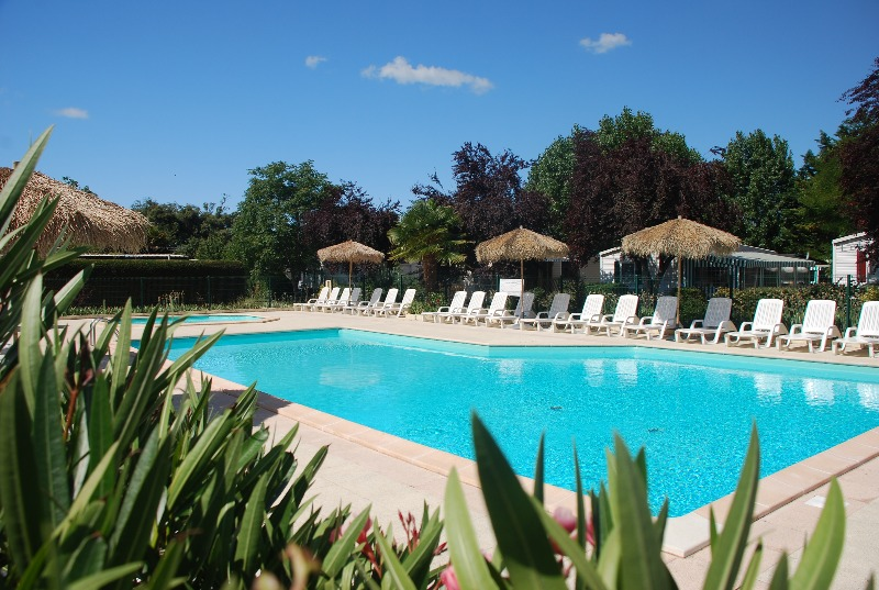 Camping 2 toiles la borderie saint palais sur mer for Camping st palais sur mer avec piscine