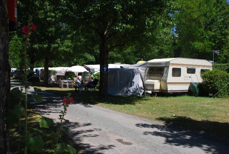 Camping 2 toiles la borderie saint palais sur mer for Camping st palais sur mer avec piscine couverte