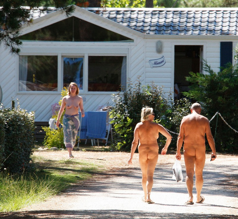 Nude cruises and resorts for nude couples