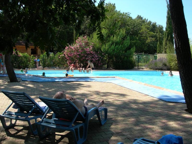 Campsite Le Bois des Ecureuils Domazan