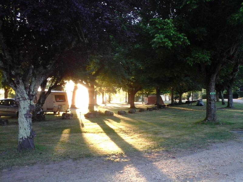 Camping Municipal du gua Saint Médard de Guiziéres