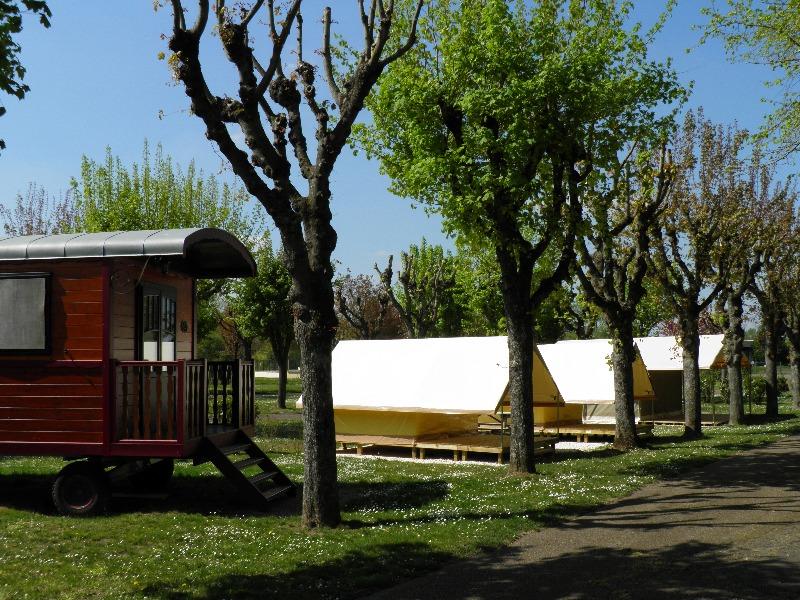 Campingplatz Municipal de la Saulaie La Charite sur Loire