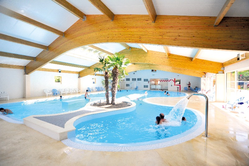 Camping 4 toiles les sables de cordouan les mathes for Camping piscine royan