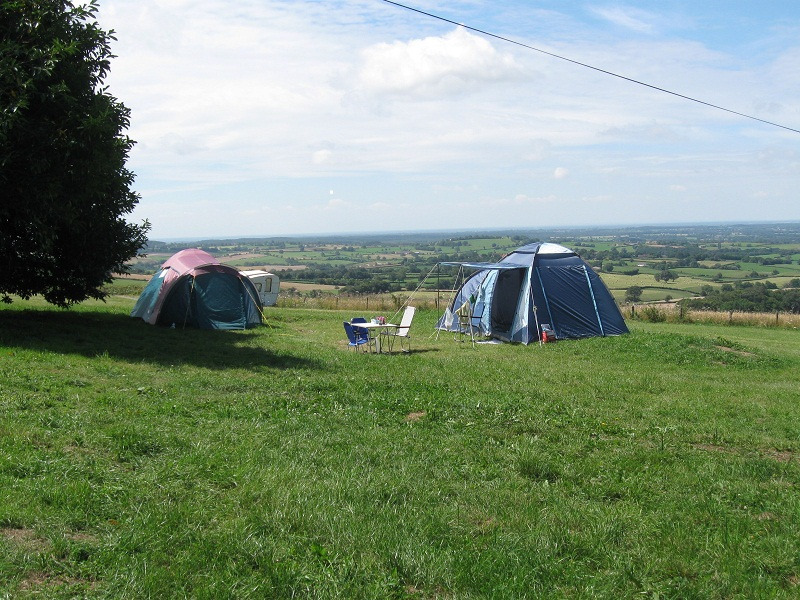 Camping minicamping Château de Satenot Ternant
