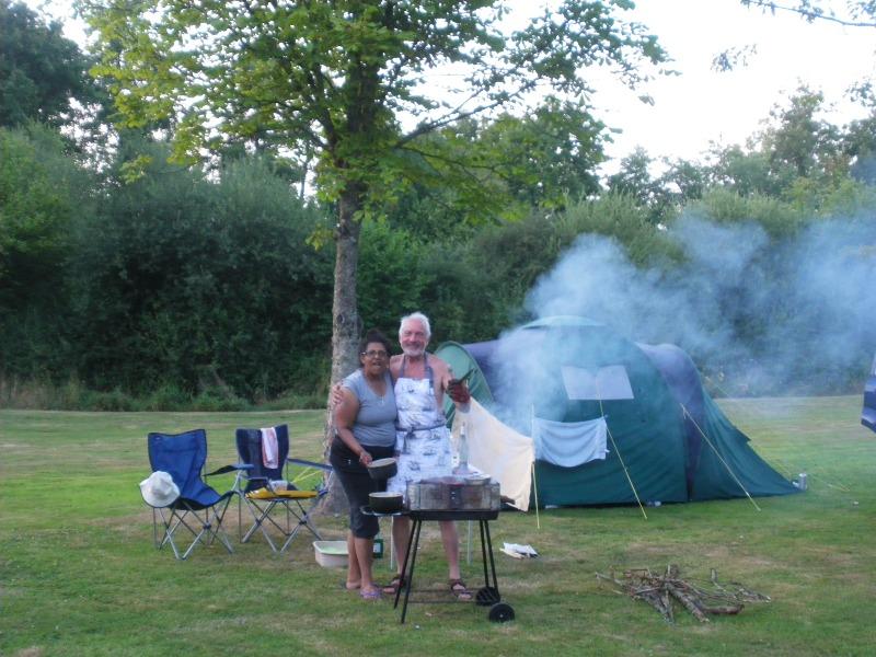 Campingplatz PARADIS NATURE 18380 Ivoy-le-Pré