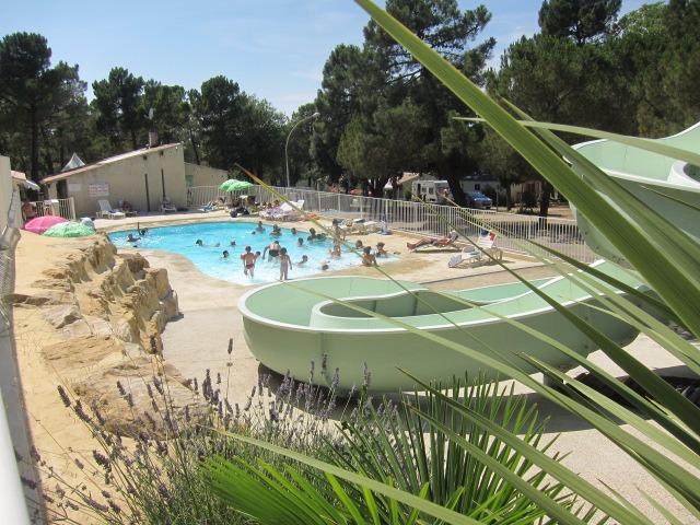 Campingplatz La Pinède en Provence Mondragon