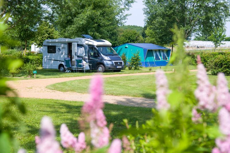 Campsite Domaine de l'Etang, Camping Sites et Paysages Brissac Quincé