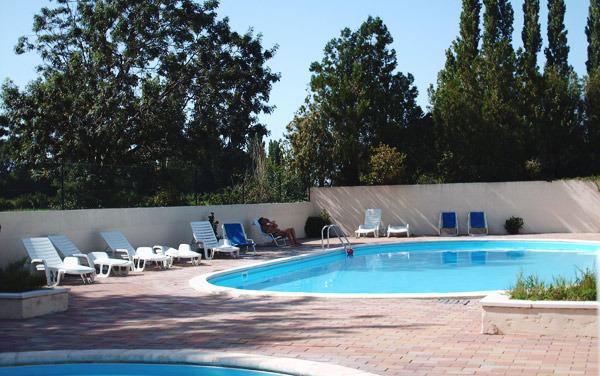 Campsite La Bienheureuse Raphele Les Arles