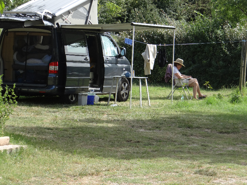 Camping Fontisson Chateauneuf De Gadagne