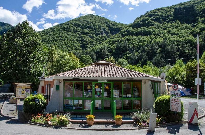 Campingplatz Les Eaux Chaudes Digne Les Bains