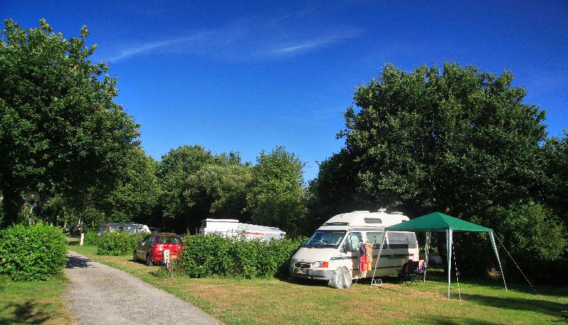 Camping 4 toiles du deffay pontch teau for Piscine pontchateau